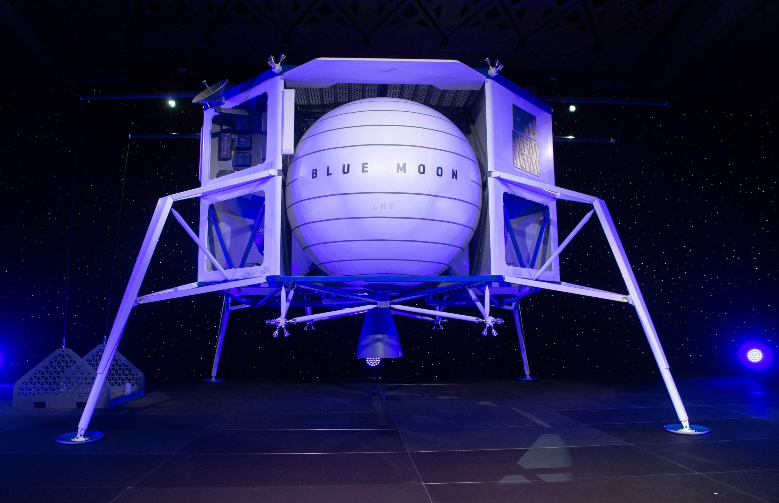 Blue Origin files lawsuit over NASA contract awarded to SpaceX
