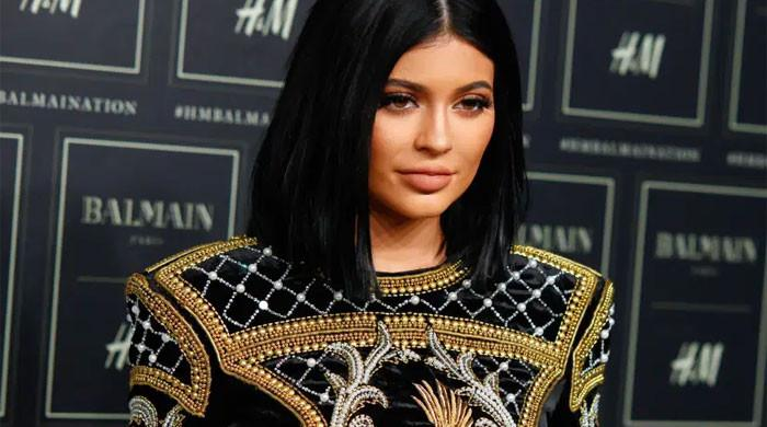 Kylie Jenner 'excitedly sharing pregnancy with close friends report